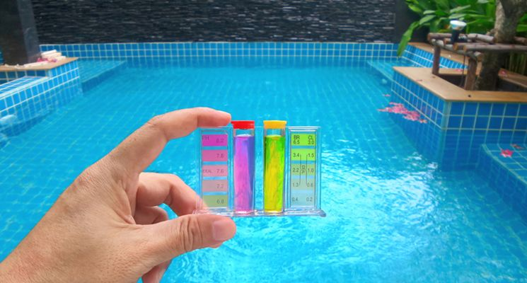 hộp test thử nước hồ bơi