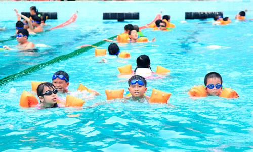 Vì sao cần xây hồ bơi cho trường học?